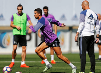 Cristiano Ronaldo is back with the squad in training. [Image credit: RealMadrid.com]