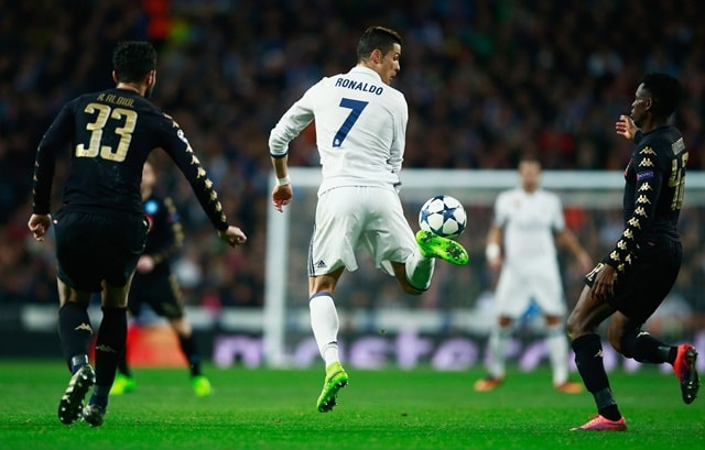 Cristiano Ronaldo tries a back heel pass in Real Madrid 3-1 Napoli in the UEFA Champions League.