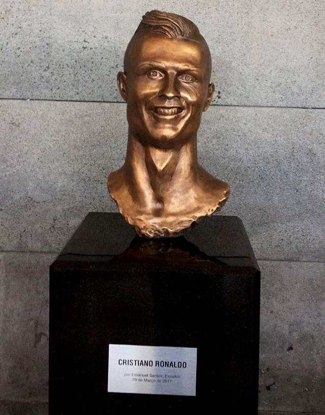 Cristiano Ronaldo bust at airport