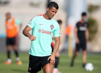 Ronaldo trains after winning Portuguese player of the year award