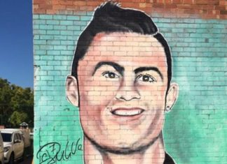 Ronaldo's trolled statue made into mural