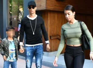 Cristiano Ronaldo shops with family