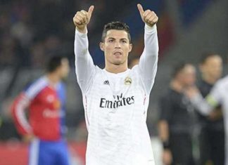 Ronaldo thumbs up fans for their support