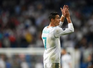Cristiano Ronaldo applauds for ther support