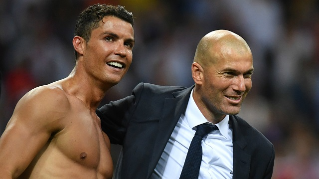 Zinedine Zidane and Ronaldo celebrate win