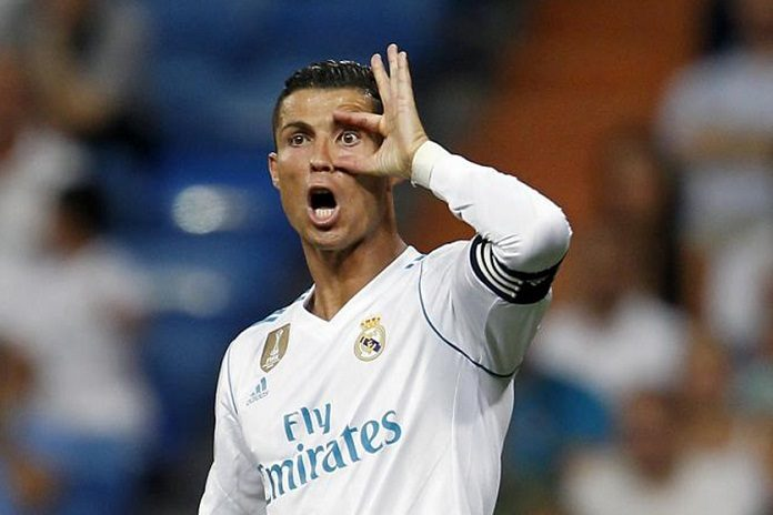 Cristiano Ronaldo gestures in Real Madrid game
