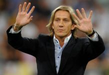 Michel Salgado waves at crowd in response to cheers