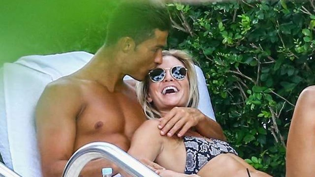 2016 summer vacations in Miami: Ronaldo with fitness model Cassandre Davis