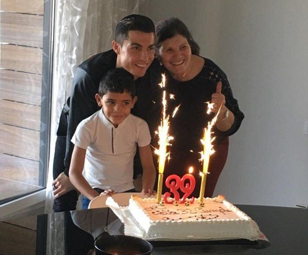 Cristiano Ronaldo and his family at his 32nd birthday